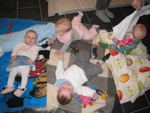 Børn over det hele - Ida, Ellen, Marius og Frederikke