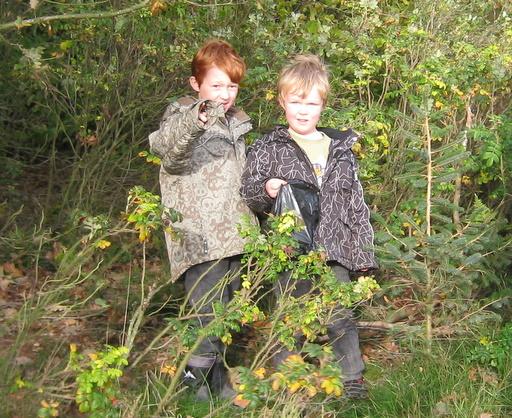 Toke og Asbjørn med deres første cache