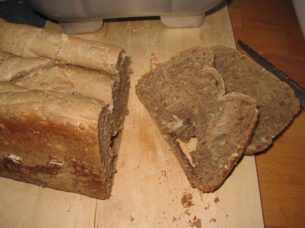 Nybagt brød.
