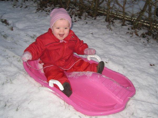 Ellen synes at sne er sjovt.