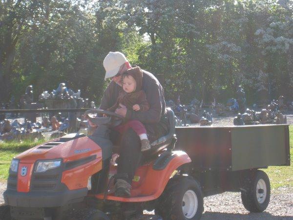 Traktorkørsel med morfar.