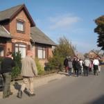 Folkevandring fra kirke til forsamlingshus
