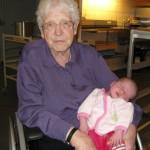 Mormor med en nyfødt Ellen